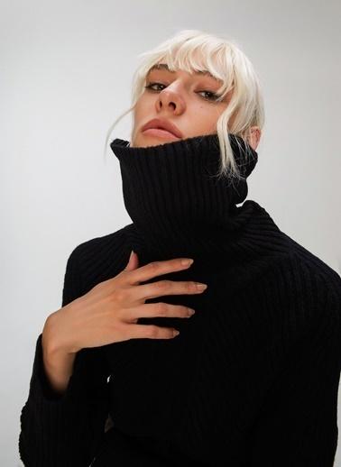 People By Fabrika Örgü Detaylı Triko Elbise Siyah